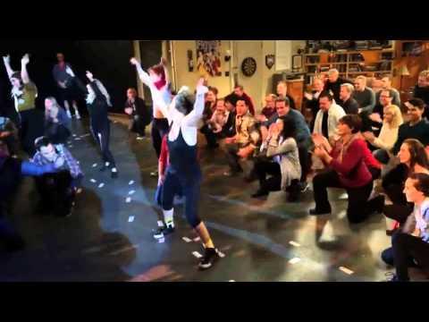 The Big Bang Theory - Flash Mob (Uptown Funk)