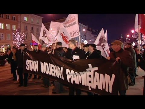 Poles mark 30th anniversary of martial law