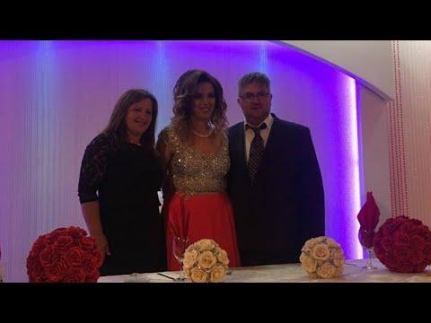 Dasma Shqiptare vajza tu vallzu me Prinderit e vet Elvira Cobaj