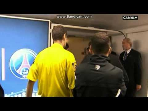 PSG director Leonardo bodychecks the ref mocking Thiago Silva's soft dismissal vs Valenciennes