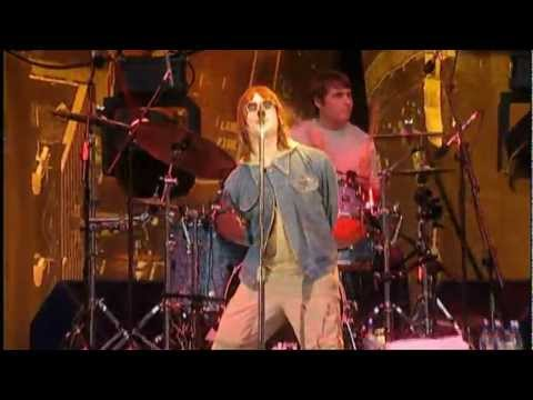 Oasis - Acquiesce (live in Wembley 2000)