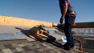 Installing Landmark - five course pattern, alternate closed cut valley & skylight flashing