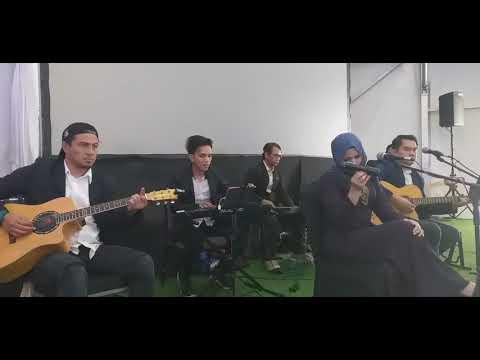 Takkan Berpaling Dari Mu - Akustik Cover By Combination Band