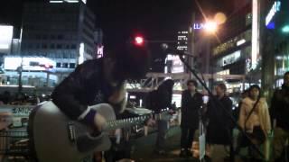 20121229@新宿駅南口にて~ 寒いなか、この日は千葉早也香さんとの合同...