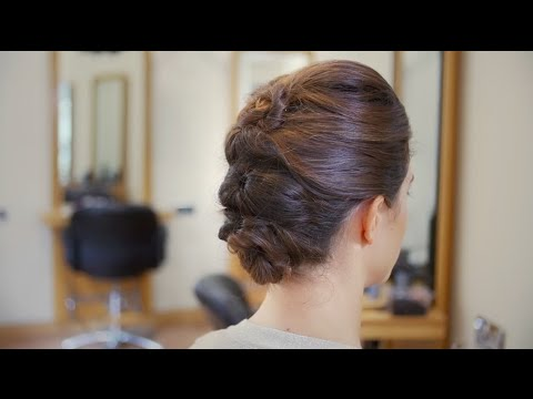Step By Guide To A Topsy Turvy Updo