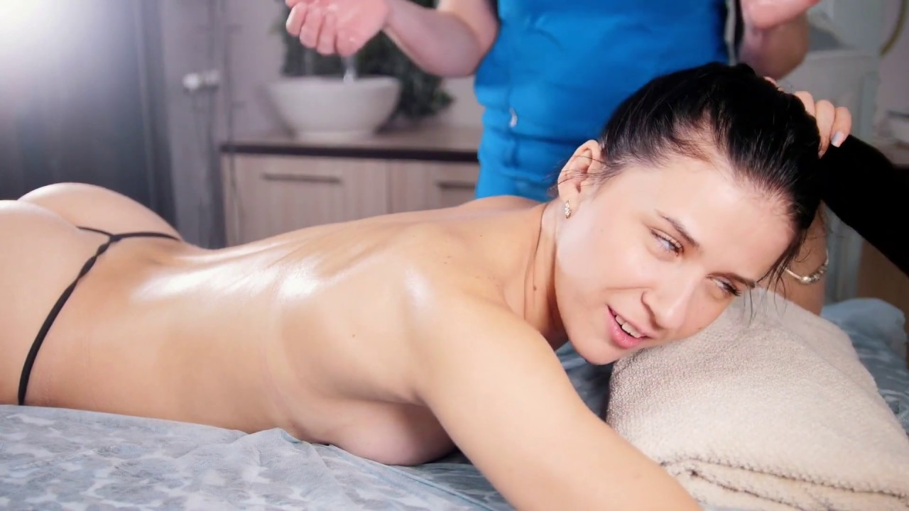 Nude Girl Getting Swedish Detox Full Body Pro Massage Therapy Treatment To Stay Fit Healthy In 2020