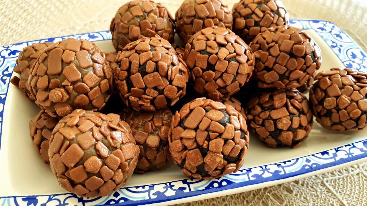 الحلوى اللي يذوقها يذوب معاها بذوقين وبقوام رااائع لجميع مناسباتكم les truffes