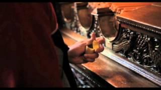 Film Trailer: To agori troi to fagito tou pouliou / Boy Eating the Bird's Food