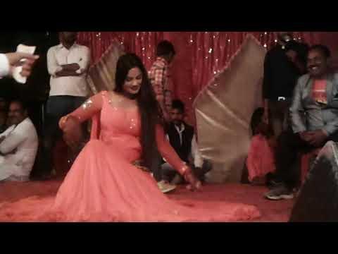 Mujhe navlakha mangade re full song 2018 best dance in village