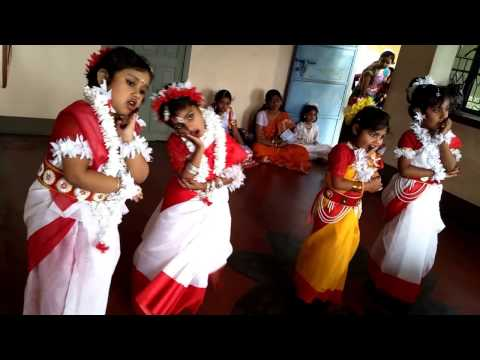 Megher Kole Rod Hesechhe | Rabindra Sangeet : Kids Song : ছোটদের নাচের গান : মেঘের কোলে রোদ হেসেছে