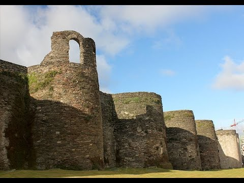 Places to see in ( Galicia - Spain ) The Roman Walls of Lugo