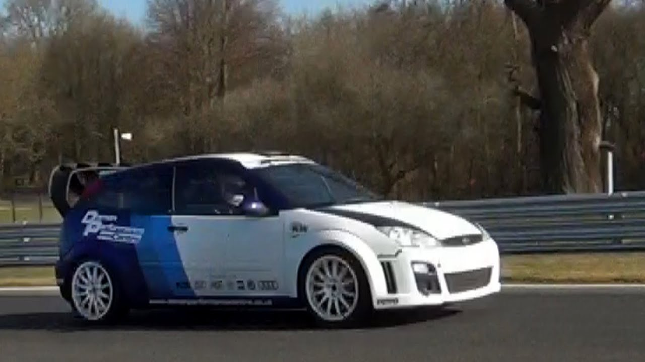 demon performance ford focus rs mk1 ginetta g40 on track. Black Bedroom Furniture Sets. Home Design Ideas