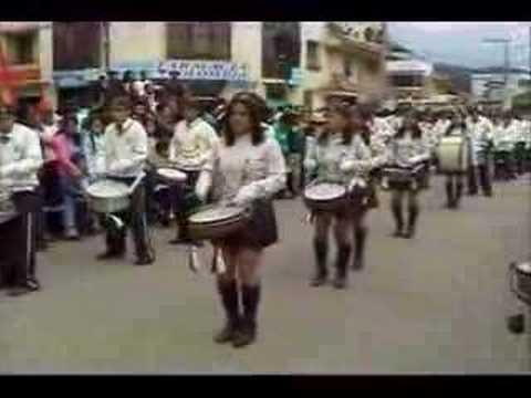 Desfile Gualaceo   W W W . Z H O R D A N . C O M