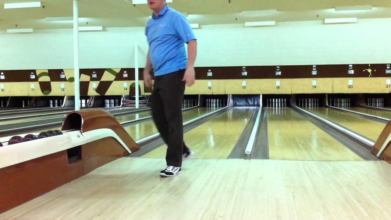 Candlepin Bowling - Final Frames at Fairway Sports World - YouTube