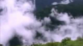 In Hawaon Mein In Fizaon Mein - Gumrah - Mahendra Kapoor & Asha