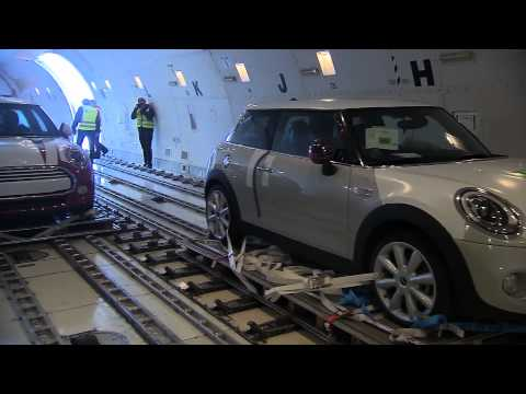 Cargo Air Freight of the new MINI - Loading and Departure |