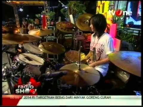Antonia Yayang (Mel Shandy and Sexy Rock) Quick Drum Solo @Radio_Show TvOne Mp3