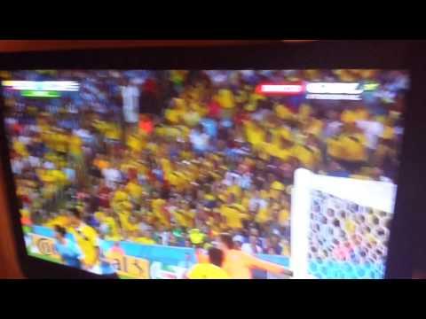 Gol James Rodriguez. Colombia 2 Uruguay 0.