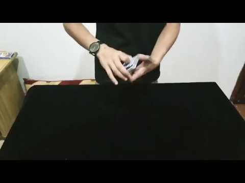 خدعه تحويل الاربع الاوراق 😀magic tricks revealed - YouTube