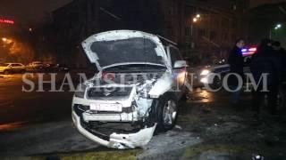Ավտովթար Երևանում  Սախարովի անվան հրապարակում բախվել են Suzuki ն ու Mercedes ը