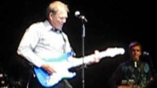 Video Times Like These - Glen Campbell - Glasgow 2010 download MP3, 3GP, MP4, WEBM, AVI, FLV Mei 2018
