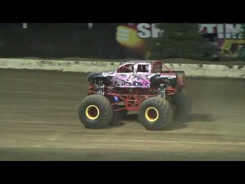 Grays Harbor Raceway, September 16, 2017, Monster Truck Racing