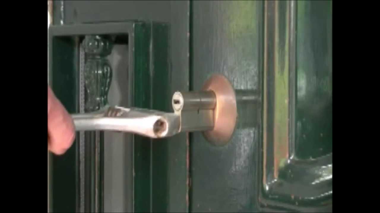 please lock door. How To Open Locked Door , Easy.Press \ Please Lock