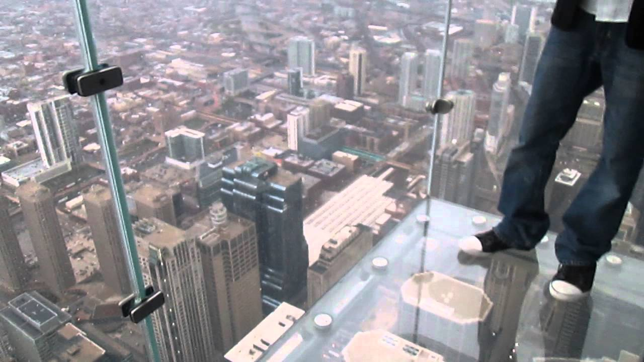 glass floor on the skydeck of willis