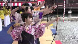 toshiya pretty japanese girls in kimono doing kyudo archery in kyoto 通し矢