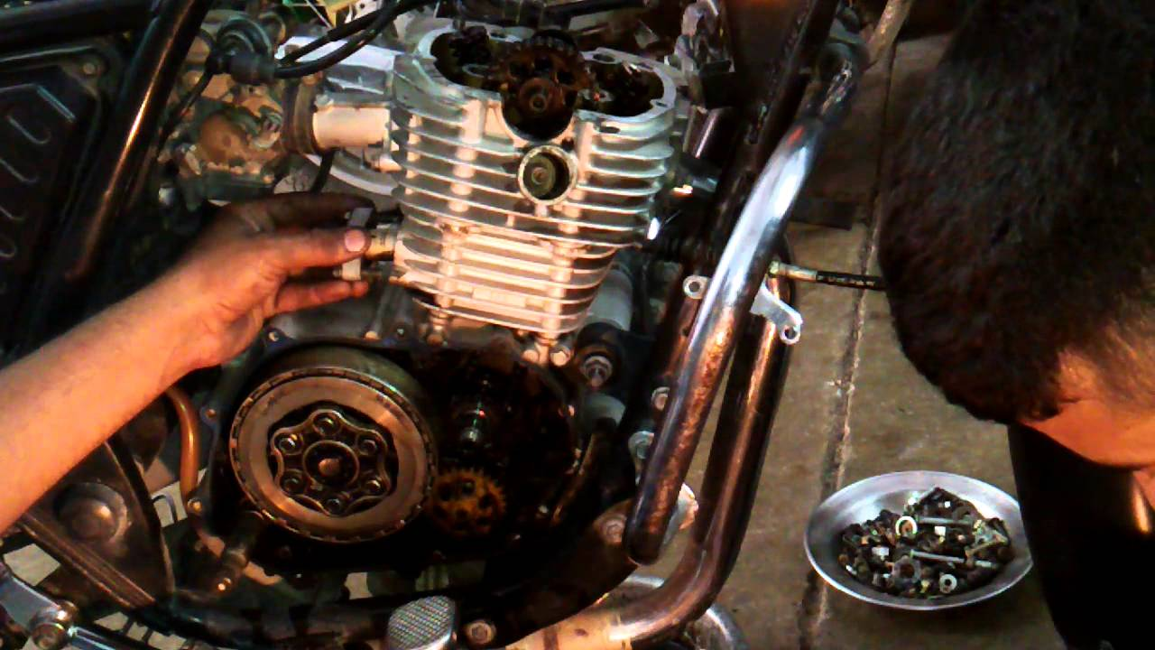 bajaj discover 125 engine repair vedio part 2  YouTube