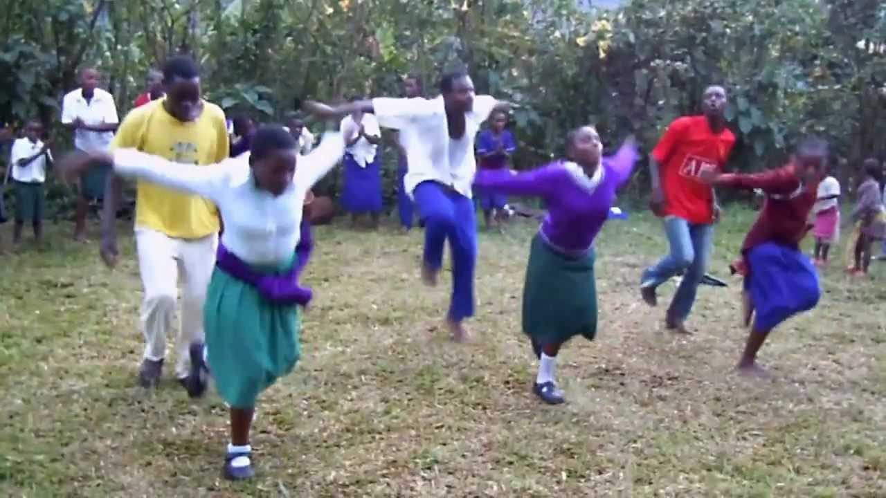 Uganda traditional dance by a young girl- AMAZING! - YouTube