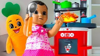 Milusik playing with baby doll and Kitchen Toy Cooking Food toys