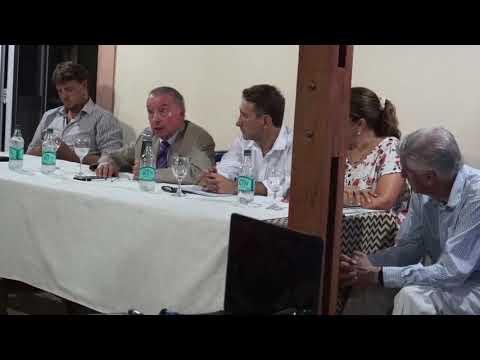 FFFV:  disertación de Nestor Sequeiros