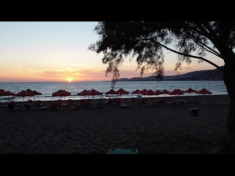 Crete yoga retreat VLOG day SIX! Meditating badly, new nails and watching the sunset