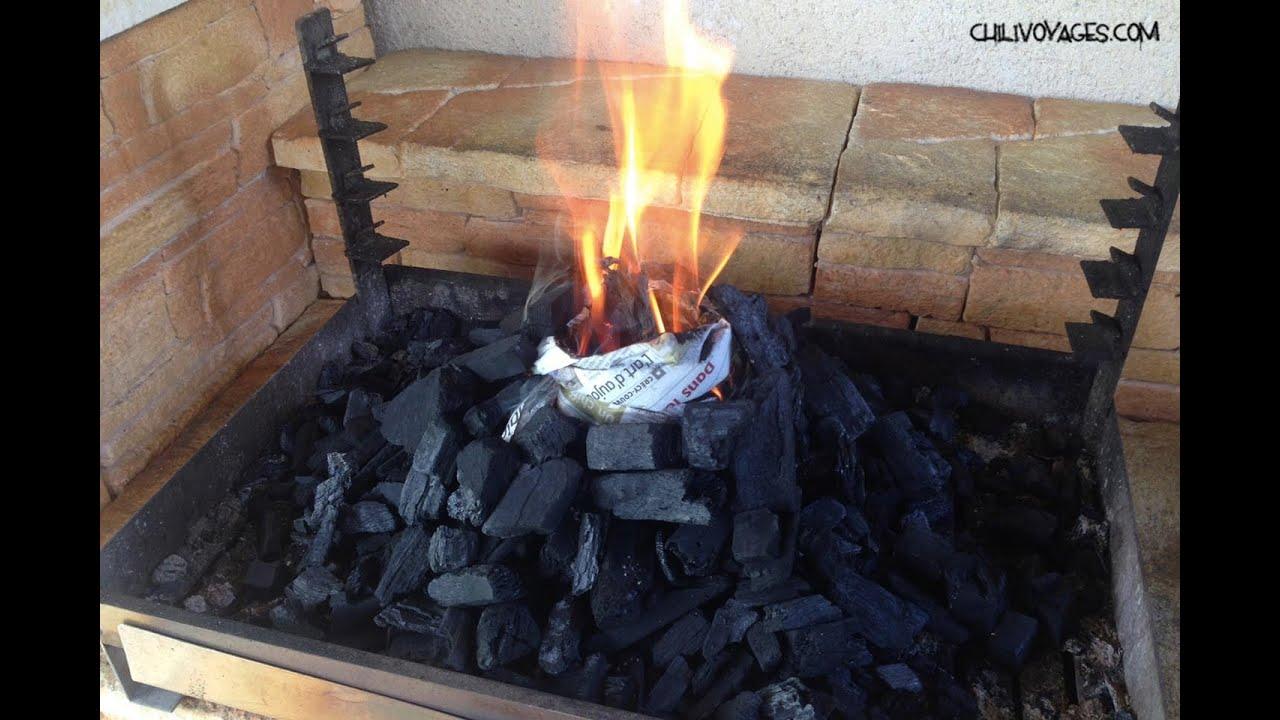 comment allumer un barbecue facilement youtube. Black Bedroom Furniture Sets. Home Design Ideas