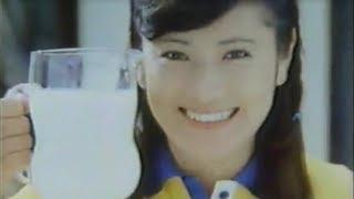 長渕剛の妻、志穂美悦子さんのCM動画集です。当時では珍しい、スタン...
