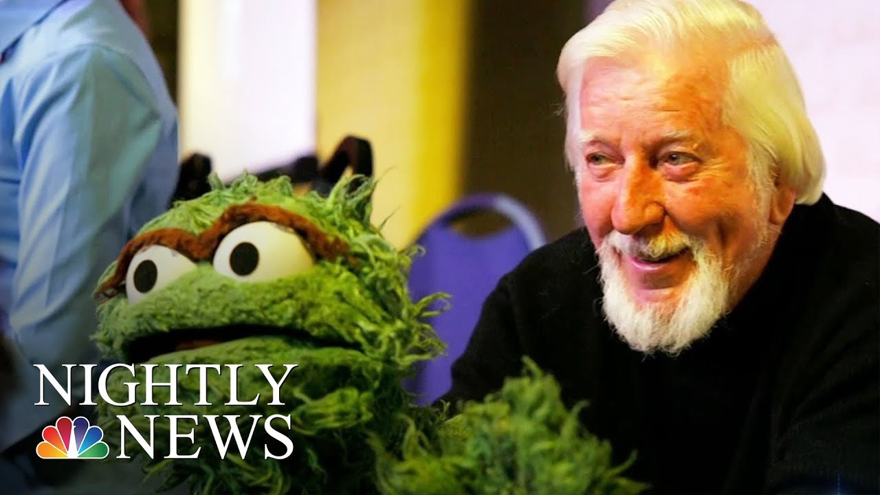 Caroll Spinney Puppeteer Who Brought Big Bird To Life Dies At 85 Nbc Nightly News