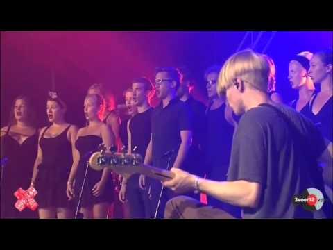 ∆ (Alt-J) & Dario Fo Choir - Interlude 1 - Lowlands 2012 - Theaterkoor Dario Fo.mp4