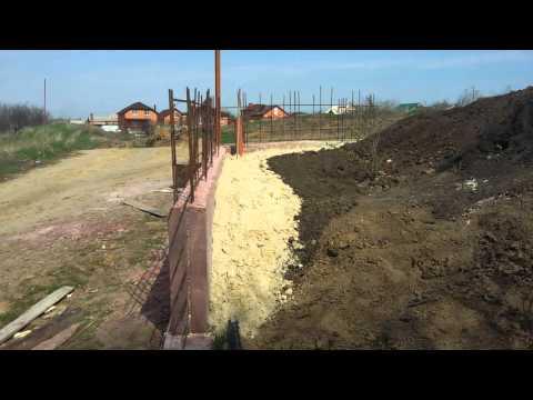 Подпорная стенка - забор своими руками 5