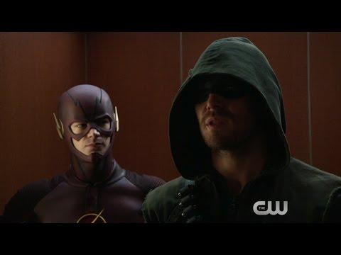 Arrow and The Flash - Superhero/Supervillain Fight Club