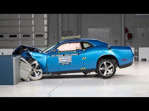 2016 Dodge Challenger moderate overlap test