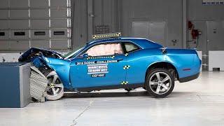 2016 Dodge Challenger moderate overlap IIHS crash test
