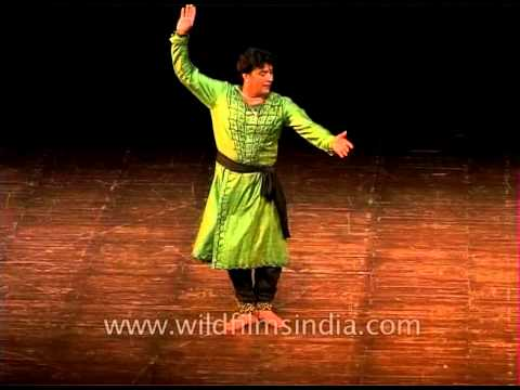Ghunghru forms one of the integral most parts of Kathak dance