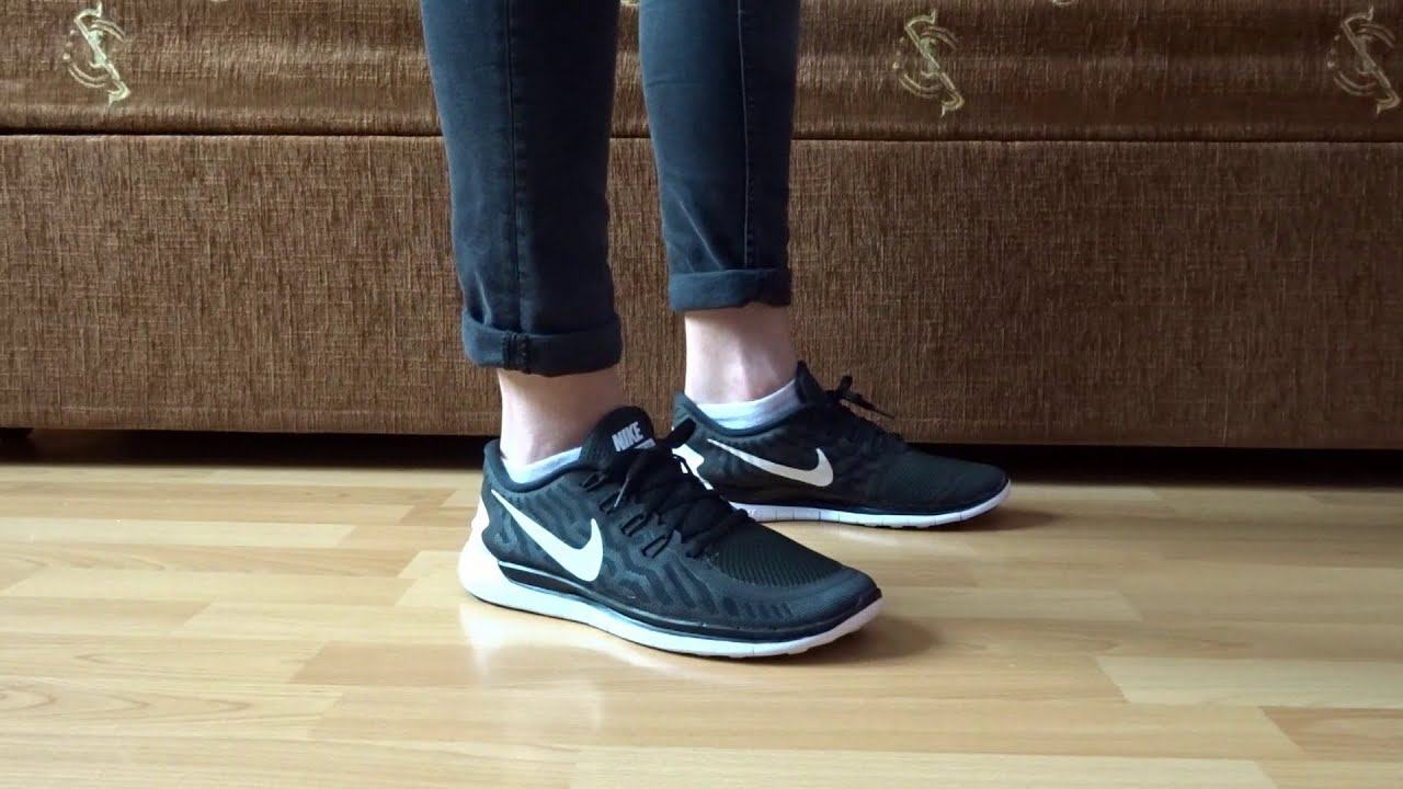 79927dc14c0d1 NIKE FREE 5.0 MEN S RUNNING SHOE DETAILED LOOK   ON FEET - YouTube