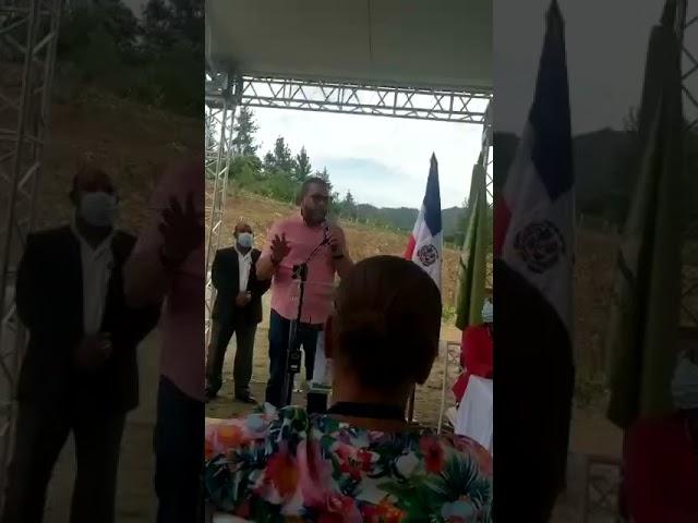 Enfrentamiento entre alcalde y pastor en Villa Altagracia. Miren las ofensas
