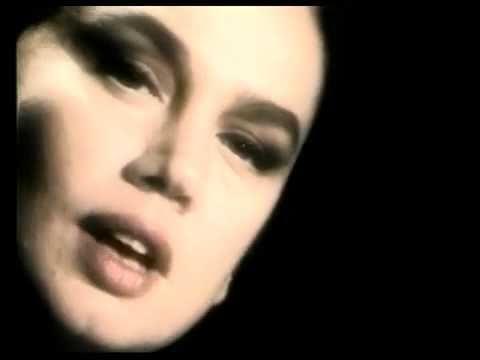 Sezen Aksu - Masum Değiliz -  Orjinal Video Klip