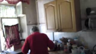 Сериал. Мать после инсульта. Что делать? Не закрывает двери в свою комнату.3.1(Мы живём в одной двухкомнатной квартире. Мать в комнате 18м., и я в комнате 8м. Мать имеет возможность закрыват..., 2014-06-06T11:45:49.000Z)