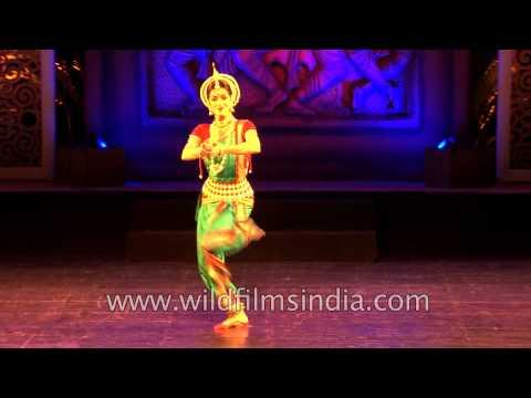 Anandini Dasi Performing Odissi