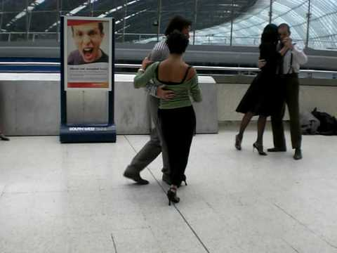 London Tango Commute 2009 @ Waterloo Station