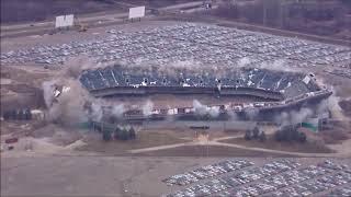 Pontiac Silverdome implodes 12/04/17
